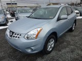 2013 Nissan Rogue S Special Edition AWD Front 3/4 View