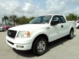 2005 Ford F150 STX SuperCab Front 3/4 View