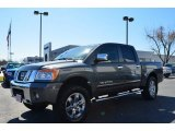 Nissan Titan 2010 Data, Info and Specs