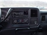 2001 Chevrolet Silverado 1500 LS Regular Cab Controls