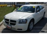 2005 Cool Vanilla White Dodge Magnum SE #7923631