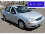 2005 CD Silver Metallic Ford Focus ZX4 SE Sedan #80289955