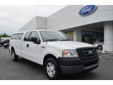 2005 Ford F150 XL SuperCab Front 3/4 View