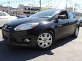 2012 Tuxedo Black Metallic Ford Focus SE 5-Door #80539390