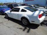 2005 Performance White Ford Mustang V6 Deluxe Coupe #80593537