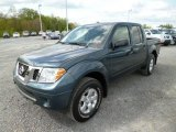 2013 Nissan Frontier SV V6 Crew Cab 4x4 Front 3/4 View