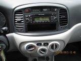 2009 Hyundai Accent GLS 4 Door Controls