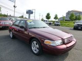 Ford Crown Victoria 2005 Data, Info and Specs