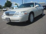 2005 Ceramic White Tri-Coat Lincoln Town Car Signature #81403969