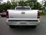 Chevrolet Silverado 1500 2005 Badges and Logos