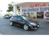 2012 Black Ford Focus Titanium 5-Door #81770044