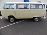 Volkswagen Bus 1972 Data, Info and Specs