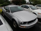 2005 Satin Silver Metallic Ford Mustang V6 Premium Coupe #81933204