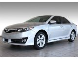2013 Classic Silver Metallic Toyota Camry SE #82501101