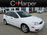 2005 Cloud 9 White Ford Focus ZX5 SES Hatchback #82845990