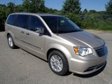 Chrysler Town & Country 2014 Data, Info and Specs