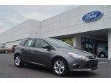 2014 Sterling Gray Ford Focus SE Hatchback #84312438