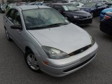 2003 CD Silver Metallic Ford Focus SE Sedan #84565575