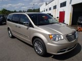 2014 Chrysler Town & Country Cashmere Pearl