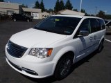 2014 Chrysler Town & Country Bright White