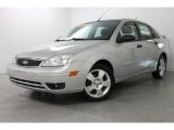 2005 CD Silver Metallic Ford Focus ZX4 SES Sedan #85498354