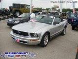 2009 Brilliant Silver Metallic Ford Mustang V6 Convertible #8542747