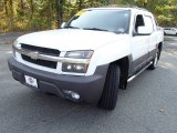 Summit White Chevrolet Avalanche in 2003