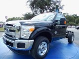 2014 Ford F350 Super Duty XLT Regular Cab 4x4 Chassis Data, Info and Specs