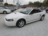 Oxford White Ford Mustang in 2002