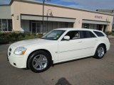 2005 Cool Vanilla White Dodge Magnum R/T #87790115
