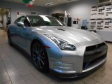 Nissan GT-R 2014 Data, Info and Specs