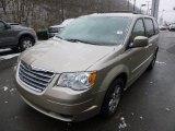 2009 Chrysler Town & Country Light Sandstone Metallic