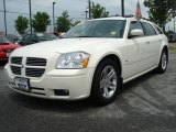 2005 Cool Vanilla White Dodge Magnum R/T #8920586