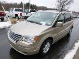 2008 Chrysler Town & Country Light Sandstone Metallic