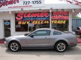 2006 Tungsten Grey Metallic Ford Mustang GT Deluxe Coupe #9291939
