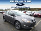 2014 Sterling Gray Ford Focus SE Sedan #93090026
