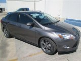 2014 Sterling Gray Ford Focus SE Sedan #93401594