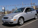 2005 CD Silver Metallic Ford Focus ZX3 SES Coupe #9320250