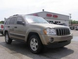 2006 Light Khaki Metallic Jeep Grand Cherokee Laredo #9332535