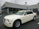 2005 Cool Vanilla Chrysler 300 C HEMI #93983813