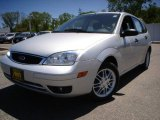 2005 CD Silver Metallic Ford Focus ZX5 SE Hatchback #9552627