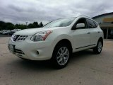 2013 Pearl White Nissan Rogue SV AWD #96630092