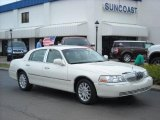 2006 Vibrant White Lincoln Town Car Signature #9631684