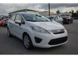2013 Oxford White Ford Fiesta SE Sedan #97323201