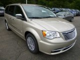 2015 Chrysler Town & Country Cashmere/Sandstone Pearl
