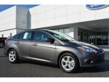 2014 Sterling Gray Ford Focus SE Sedan #98637204