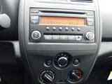 2015 Nissan Versa 1.6 S Plus Sedan Controls