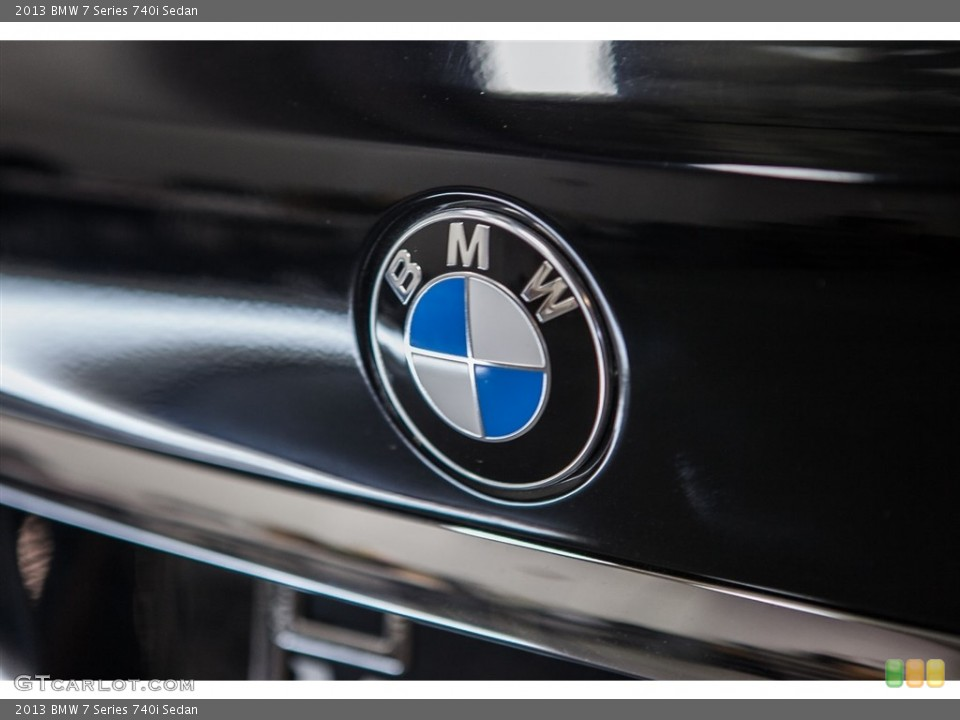 2013 BMW 7 Series Badges and Logos