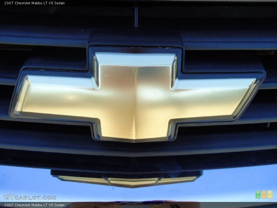 2007 Chevrolet Malibu Badges and Logos
