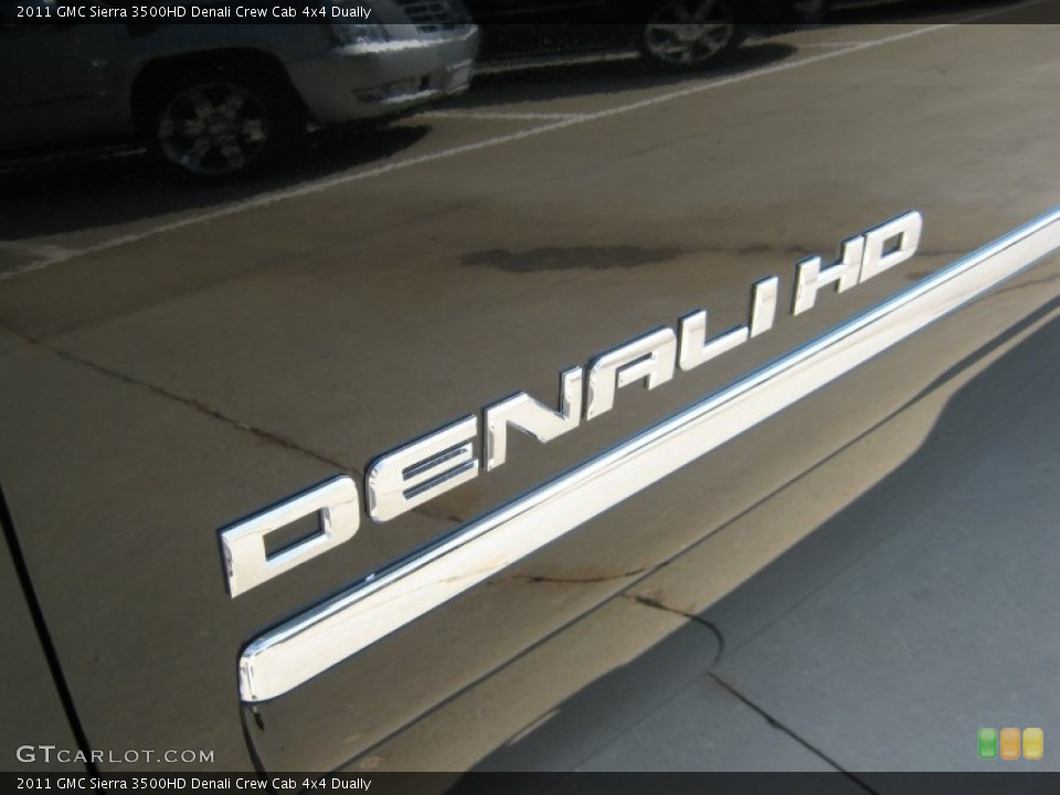 2011 GMC Sierra 3500HD Badges and Logos